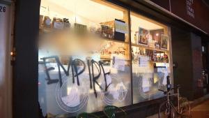 CTV Montreal: Looters strike Montreal store